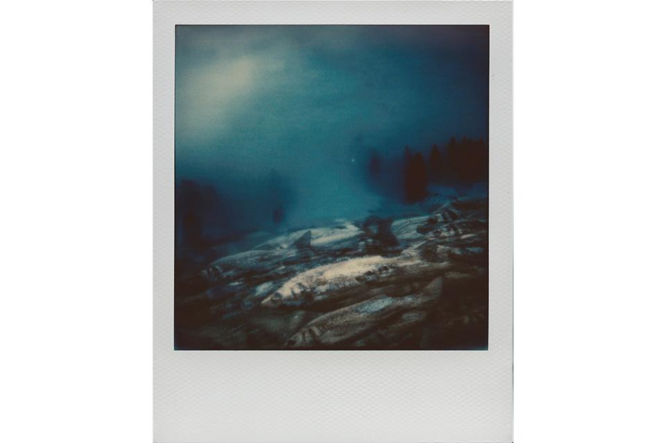 JakobLang_ArtIsNotImpossible_Polaroid_FishesAndFog_2014